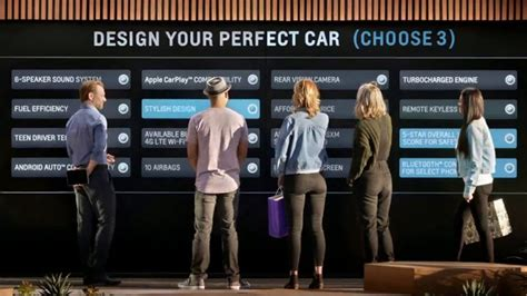 2018 Chevrolet Cruze TV Commercial, 'All of the Features