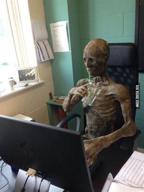 Waiting for my crush to reply my text - 9GAG
